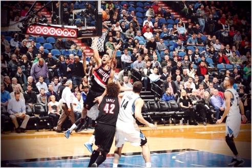 ✭ NBA Blue Nites   Parker au repos !