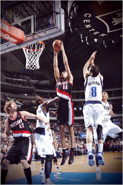 ✭ NBA Blue Nites | Nico Batum voyage bien !