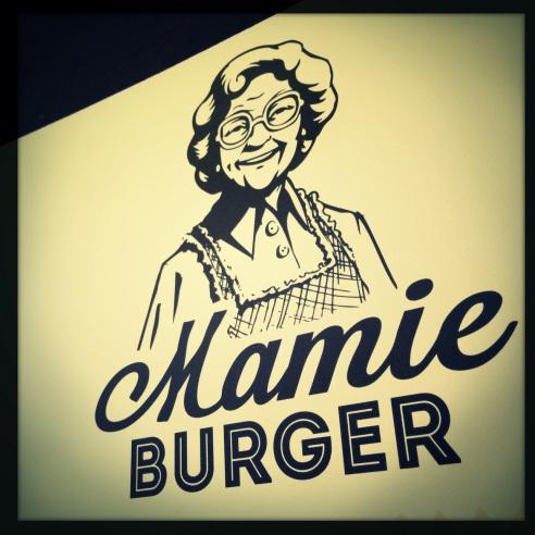 ✭ Mamie Burger | presque toute sa tête !