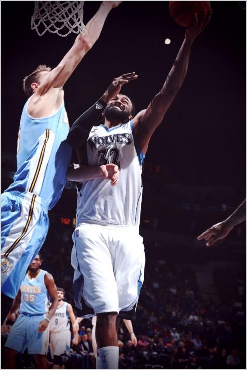 ✭ NBA Blue Nites | Ronny Block-O-Rama Turiaf !